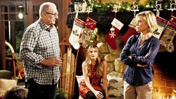 Modern Family - White Christmas